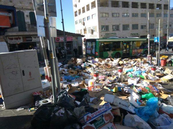 שוק מחנה יהודה בירושלים במהלך השביתה (צילום: ארתור מרקוביצ'י)