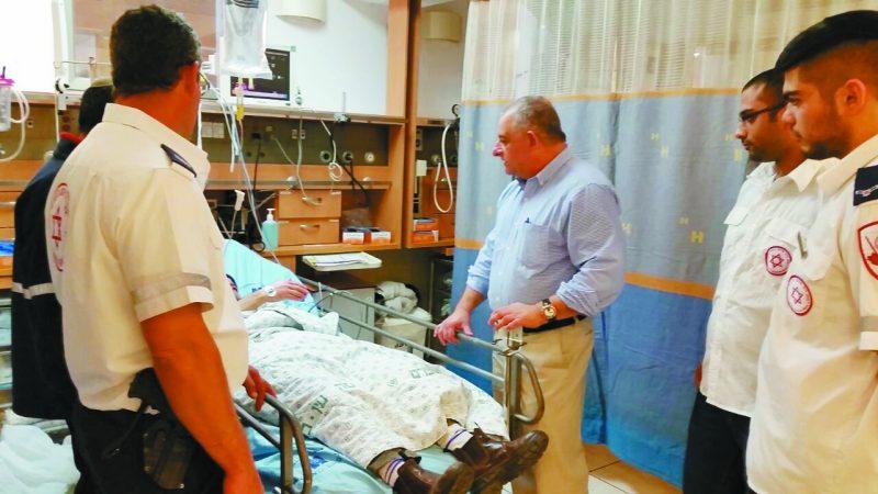 """פרופ' רונן לקר וצוותי מד""""א ( צילום: המרכז הרפואי הדסה)"""
