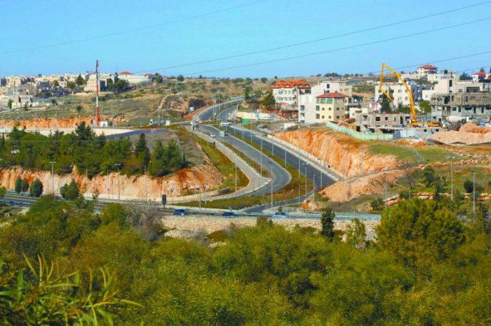 כביש 21 בצפון ירושלים (צילום: ששון תירם)