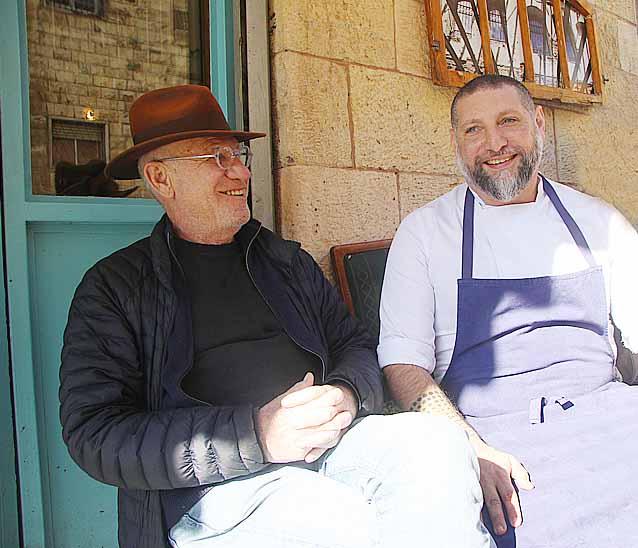 אסף גרניט ויוסי גרניט במחניודה ירושלים. צילום פול סגל
