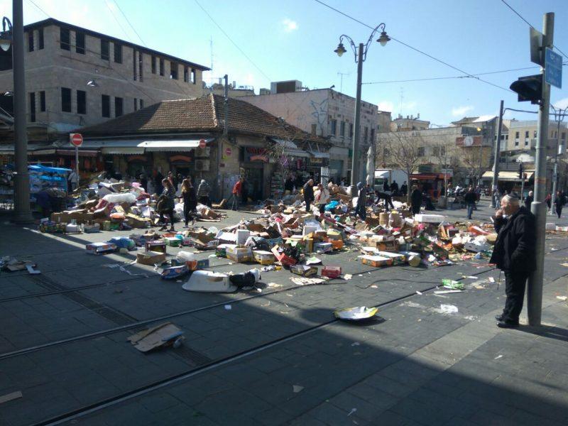 רחוב אגריפס במהלך ימי השביתה הגדולה בירושלים (צילום: ארתור מרקוביצ'י)