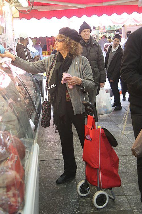 שרי רז בשוק מחנה יהודה (צילום: פול סגל)