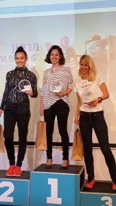 זוכות חצי מרתון תל אביב. המאמנת הירושלמית רותי זינדל-הוכמן במקום ראשון ואנה ארונוב במקום השני
