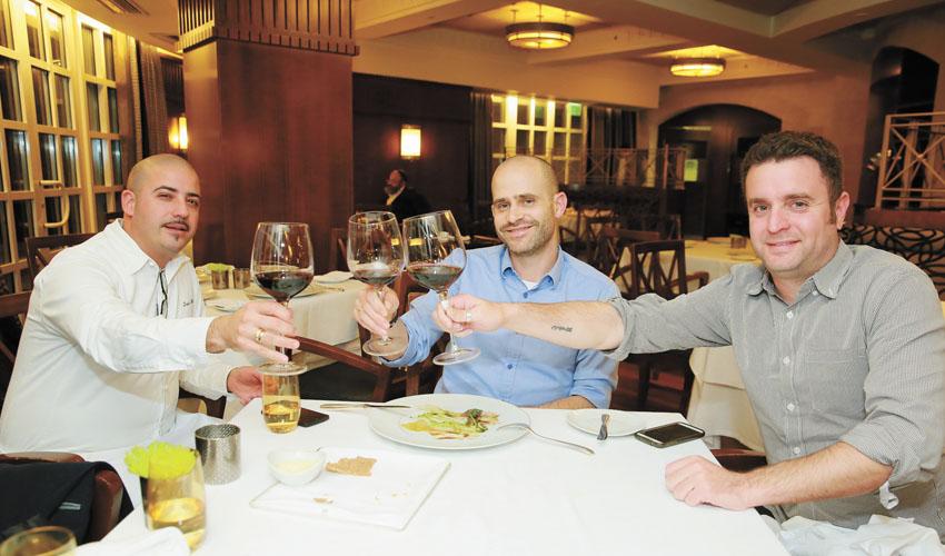 יהונתן כהן ועמית אהרנסון מסעדת לה רג'נס (צילום: ארנון בוסאני)