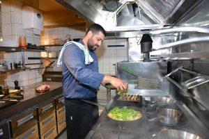 וליאור פרץ ממסעדת צ'אקרה (צילום: מאיר אליפור)
