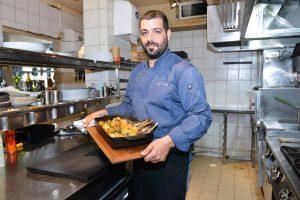 וליאור פרץ ממסעדת צ'אקרה ומנת הקדרה (צילום: מאיר אליפור)