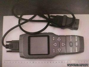 מכשיר התתחברות למחשבי רכבים שנתפס על ידי המשטרה (צילום: דוברות המשטרה)