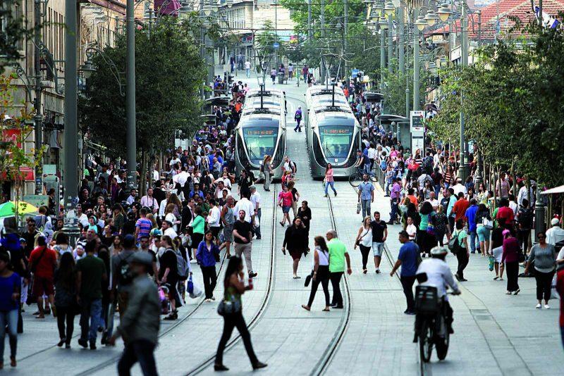 בקרוב גם בהדסה ובנוה יעקב - הרכבת הקלה (צילום: אורן בן-חקון)