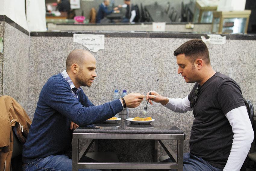 יהונתן כהן ועמית אהרנסון, טעימות רובע מוסלמי (צילום: אסף קרלה)