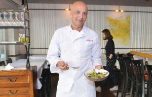 """שף אילן גרוסי, בעלי מסעדת """"סאטיה"""" (צילום: מאיר אליפור)"""