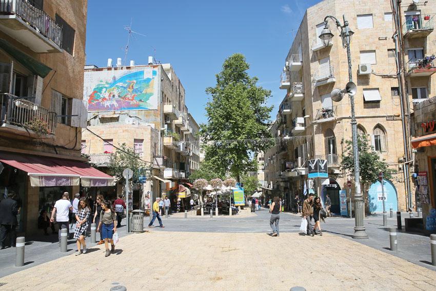 מדרחוב בן יהודה (צילום :ארנון בוסאני)