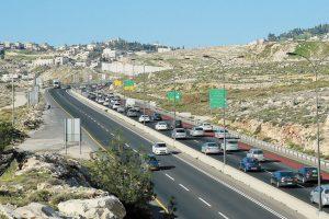 פקק מעלה אדומים-ירושלים (צילום: ארנון בוסאני)