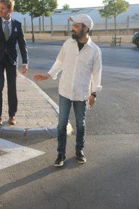 עמיר בניון משחק סנוקר (צילום: פול סגל)
