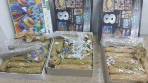 סמים בתוך קופסאות פאזל (צילום: דוברות המשטרה)