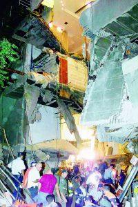 זירת אסון ורסאי (צילום: אוריאל סיני)