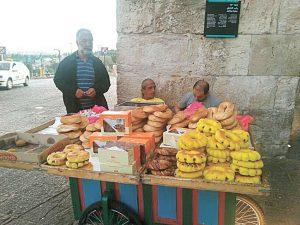 דוכן לחם בעיר העתיקה (צילום: דפנה יעקובוס)
