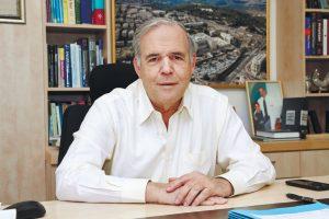 """פרופ' יונתן הלוי, מנכ""""ל המרכז הרפואי שערי צדק (צילום: ארנון בוסאני)"""