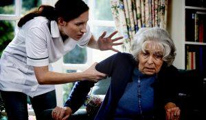 התעללות בקשישה (צילום אילוסטרציה: א.ס.א.פ קריאייטיב INGIMAGE)