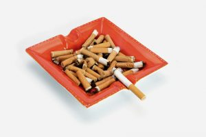 מאפרת סיגריות (צילום: א.ס.א.פ קריאייטיב INGIMAGE)
