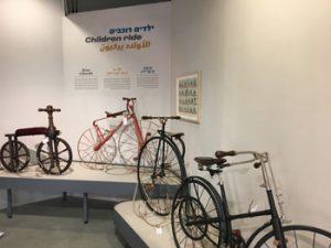 תערוכת אופניים במוזיאון המדע (צילום: טל בר לב)