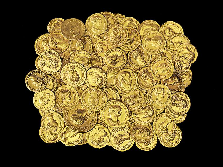 """תערוכה """"הון-שלטון"""" במוזיאון ישראל (צילום: אלי פוזנר, מוזיאון ישראל)"""