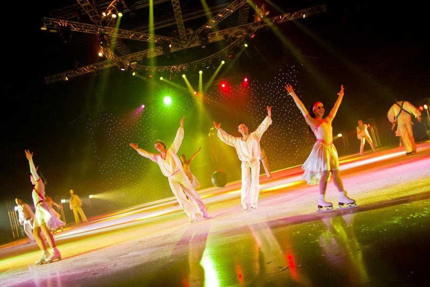 """מופע Cirque de Glace (צילום: יח""""צ חו""""ל)"""