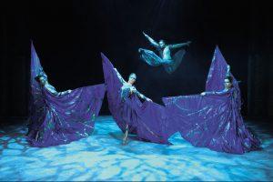 """אייסלנד בארנה, מופע Cirque de Glace (צילום: יח""""צ חו""""ל)"""
