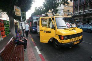 מוניות שירות (צילום: אסף עברון)