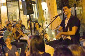 מסיבת רחוב ברחוב עזה (צילום: אדם שטרנברג)