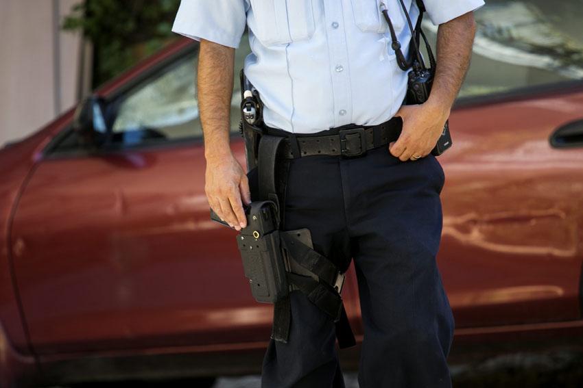 שוטר (צילום אילוסטרציה: אוליבייה פיטוסי)