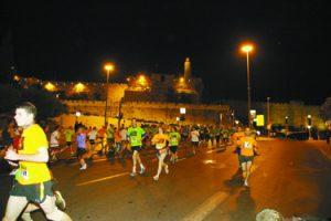 מרוץ הלילה בשנה שעברה (צילום: פלאש 90)