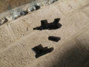 הפיגוע סמוך לשער האריות, כלי הנשק של המחבלים (צילום: דוברות המשטרה)