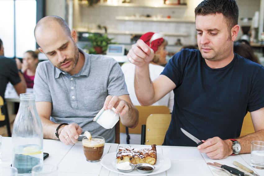 יהונתן כהן, ועמית אהרונסון 'קפה משק עפאים' (צילום אסף קרלה)