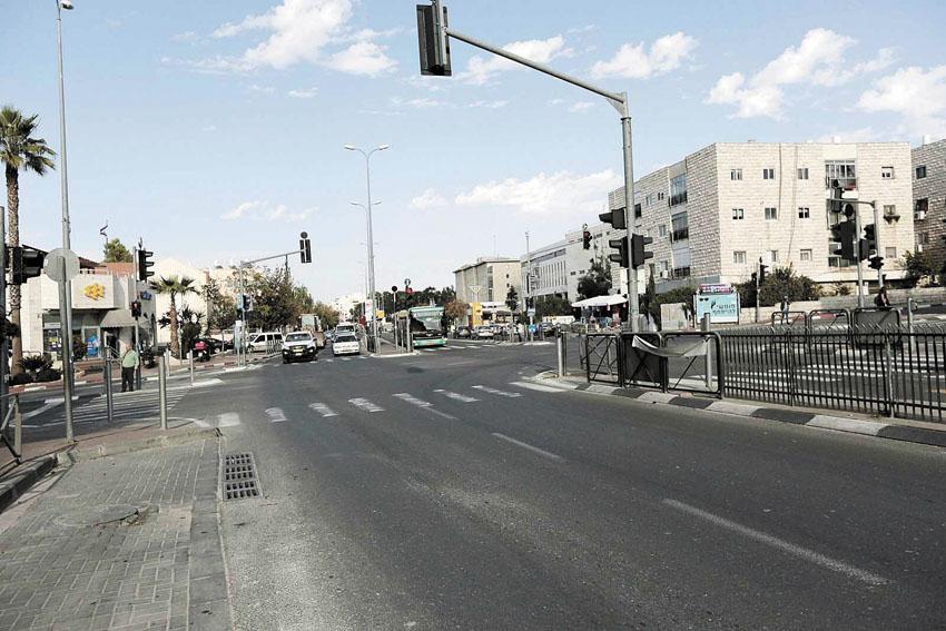 דרך חברון (צילום: אורן בן-חקון)