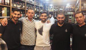 חן עזרא בחנות 'נחמיה' (צילום: פרטי)