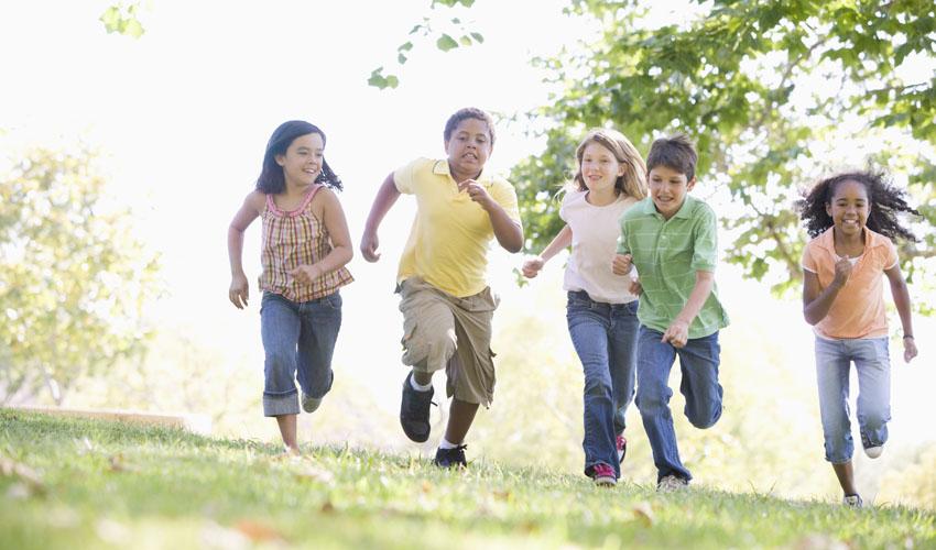ילדים רצים (צילום א.ס.א.פ קריאייטיב/INGIMAGE)