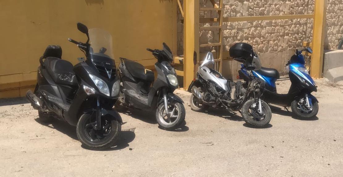 קטנועים גנובים (צילום: דוברות המשטרה)