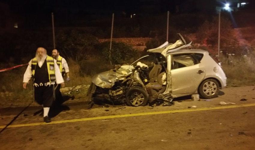 """תאונת דרכים בירושלים (צילום: זק""""א)"""