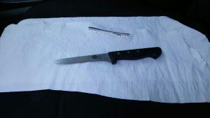 הסכין שנתפסה באירוע (צילום: דוברות המשטרה)