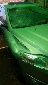הרכב הפוגע - תאונת פגע וברח בגולדה מאיר (צילום: דוברות המשטרה)