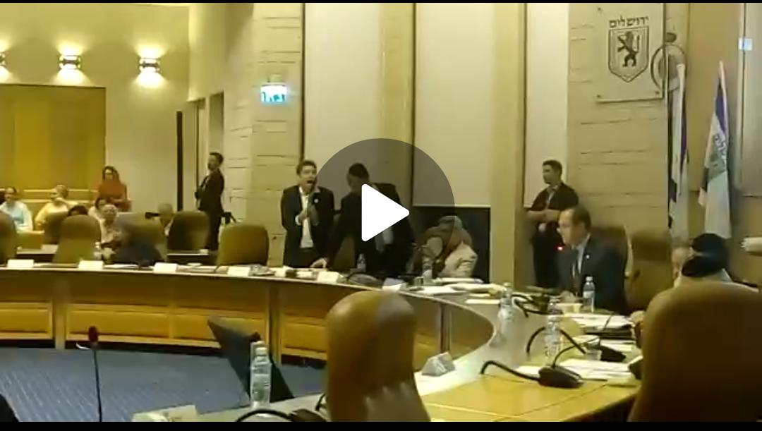 ראש העיר ניר ברקת, סגן ראש העיר עופר ברקוביץ - ישיבת מועצת העירייה 31.8.17