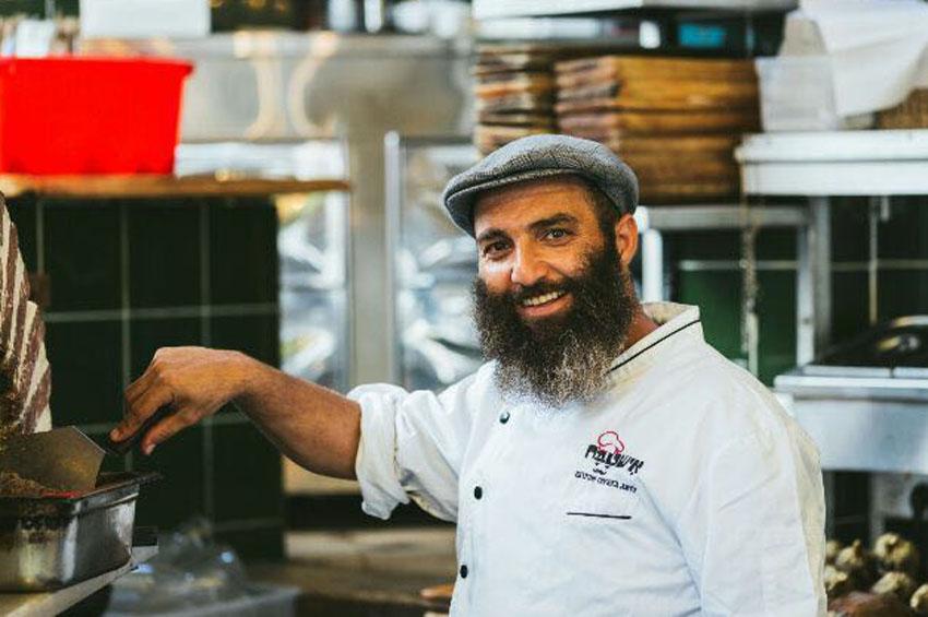מסעדת אישטבח בשוק: טאבון גדול, מאפה ענק