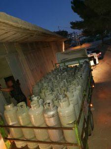 המשאית שאליה הועמסו בלוני הגז (צילום: דוברות המשטרה)