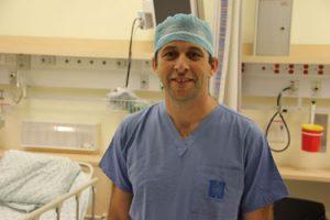 """ביצע את הניתוח - ד""""ר גיא הידש (צילום: דוברות הדסה)"""