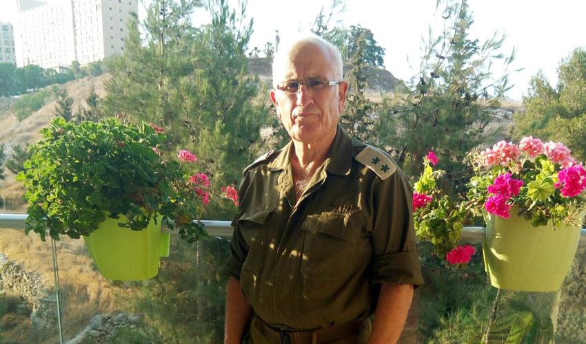 אלוף המילואים בעיר: עודד גי'ניאו, בן 69, ממשיך להתייצב לצווים