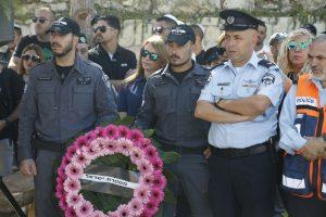 """טקס לציון שנה למותו של רס""""מ יוסי קירמה ז""""ל (צילום: דוברות המשטרה)"""