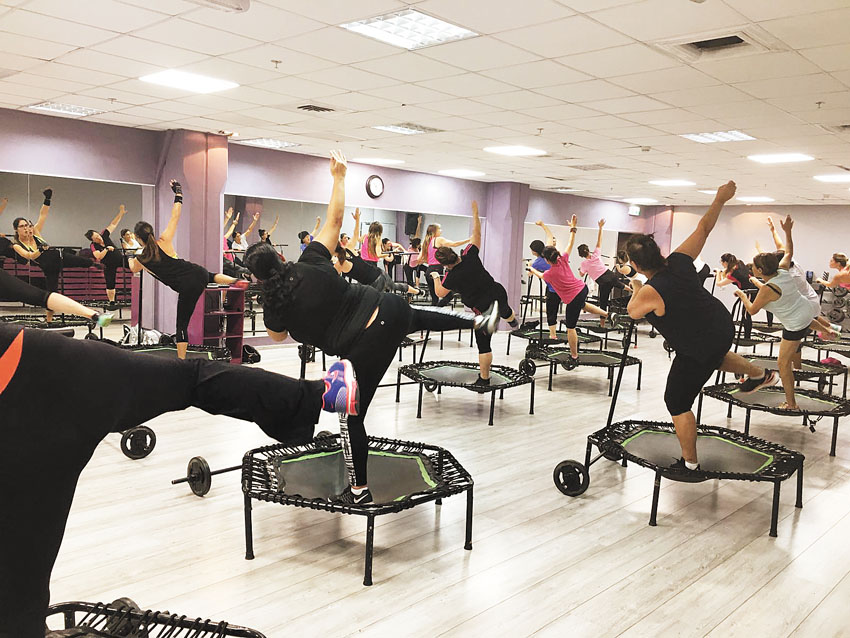 """אימון טרמפולינות במטי (צילום: יח""""צ)"""