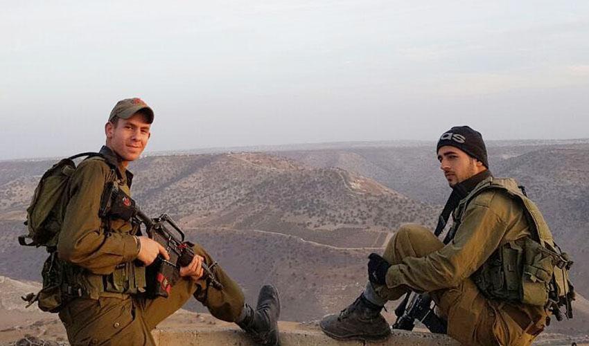 """(מימין) יאיר אמסלם ויעקב מצקין (צילום: דובר צה""""ל)"""
