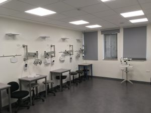 מעבדת אופוטומטריה חדשה במכללת הדסה (צילום: המכללה האקדמית הדסה)