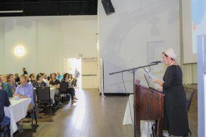 יעל מלכה, רכזת תחום פיתוח כלכלי קהילתי במחלקה לעבודה קהילתית (צילום: לאה כהן)